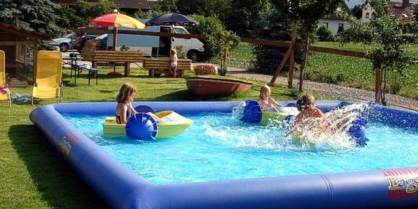 Power Paddler Kindertretboote + Pool mieten