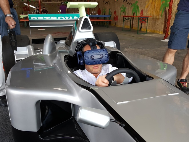 VR Formel 1 Simulator (Virtual Reality 360 Grad)